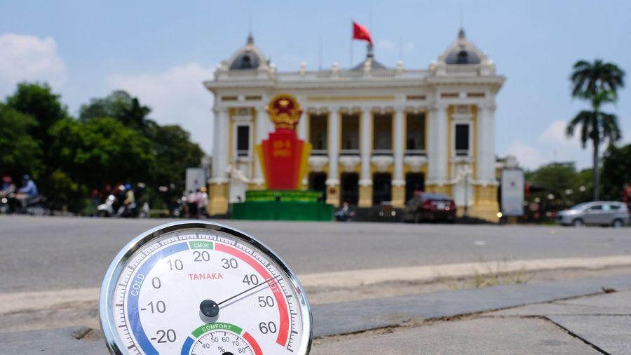 Nắng nóng trên 40 độ C tiếp tục thiêu đốt Bắc và Trung Bộ những ngày tới