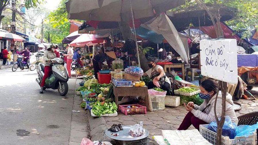 Cần dẹp các 'chợ cóc' tại phường Ngọc Lâm