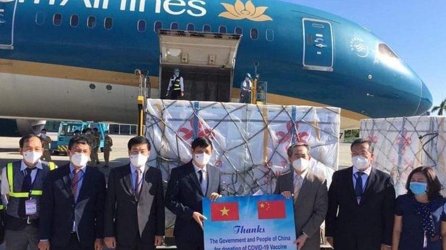 500.000 liều vaccine Vero-Cell của Sinopharm - Trung Quốc đã về Việt Nam