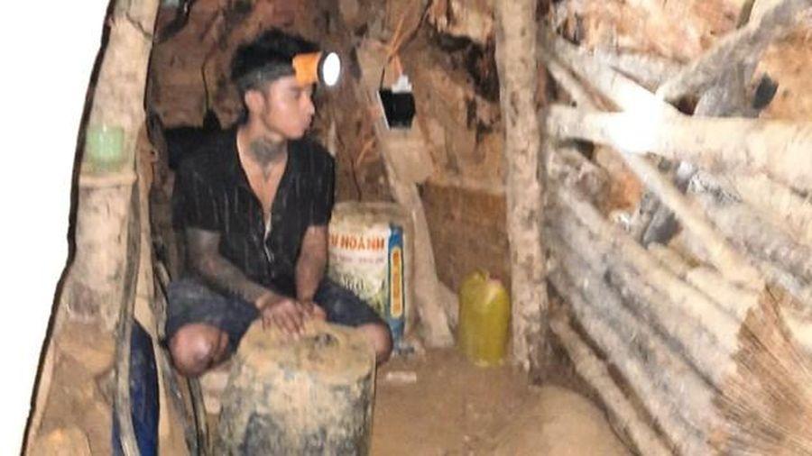 Quảng Nam: Phá hủy nhiều lán trại, máy nổ của vàng tặc