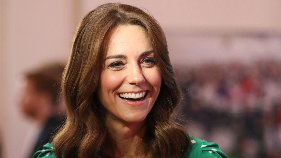 Ý nghĩa chiếc vòng cổ kim cương của Công nương Kate Middleton