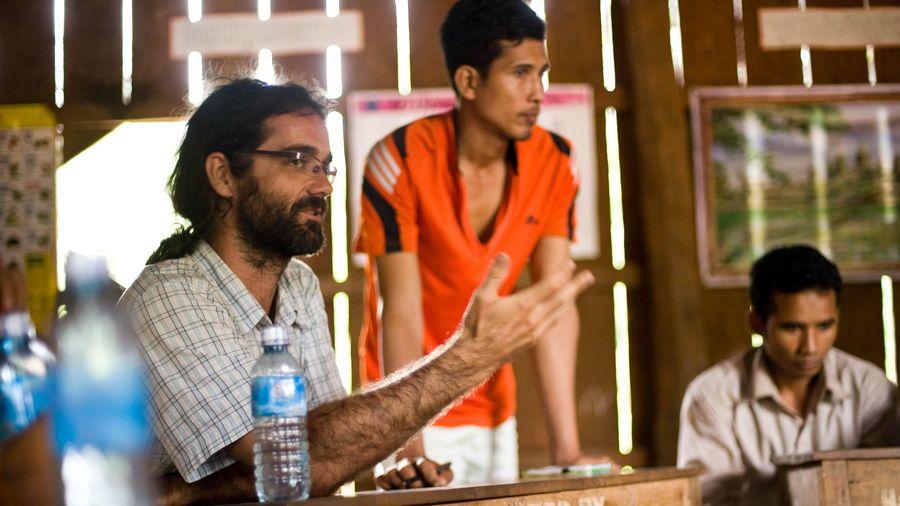 Campuchia kết tội nhà hoạt động môi trường Tây Ban Nha 'phạm thượng'