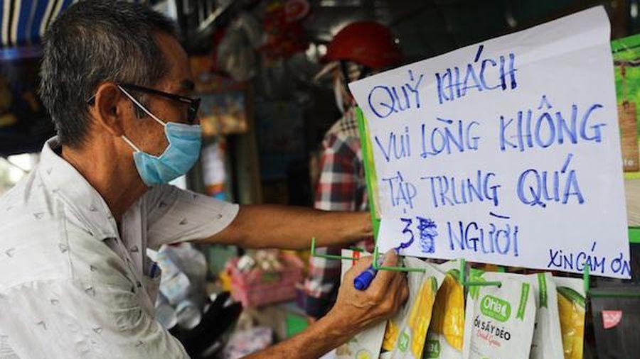TP Hồ Chí Minh: Tiểu thương chợ tự phát lúng túng trong ngày đầu thực hiện Chỉ thị 10