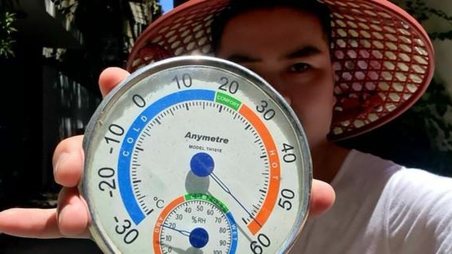 Choáng với nhiệt độ ngoài trời lên tới 60 độ C ở Hà Nội