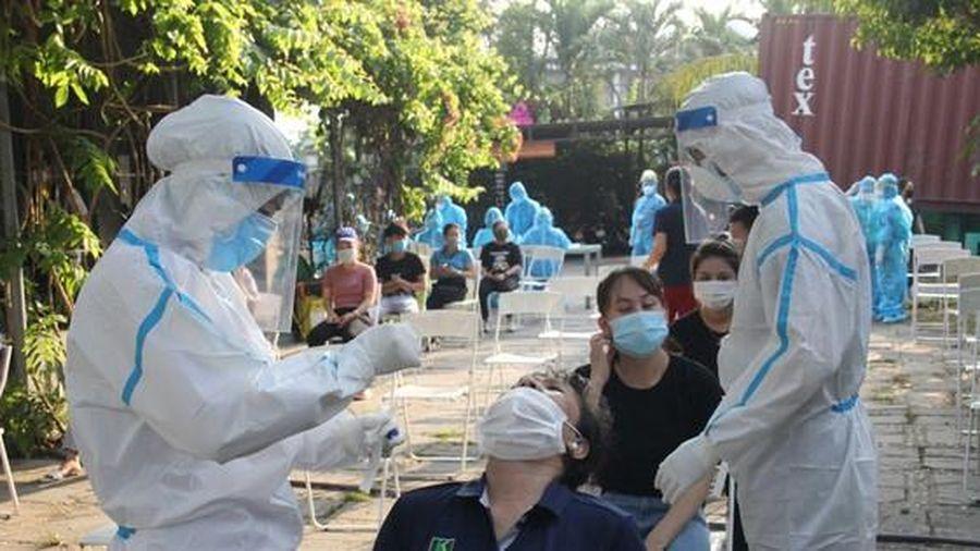 Đà Nẵng: Bé một tuổi, nhân viên trong KCN mắc COVID-19