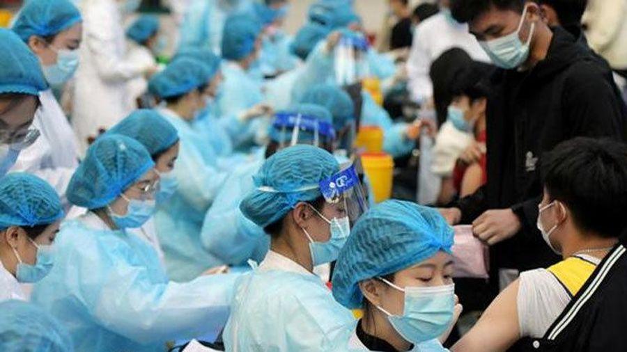 Trung Quốc cán mốc tiêm một tỷ liều vắc xin Covid-19