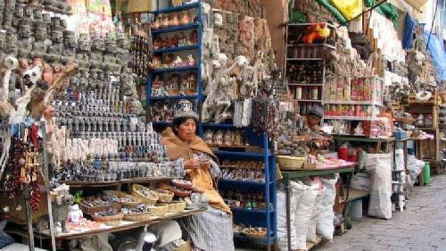 Khám phá khu chợ 'phù thủy' bán đủ loại bùa phép