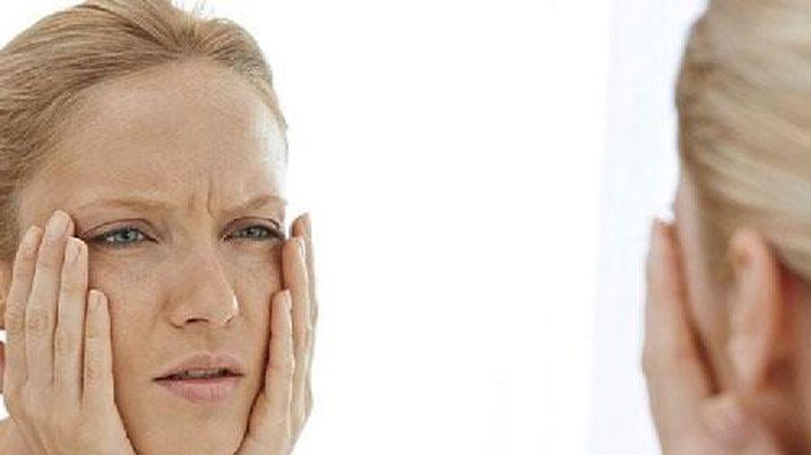 Phụ nữ bị lão hóa thường có dấu hiệu này