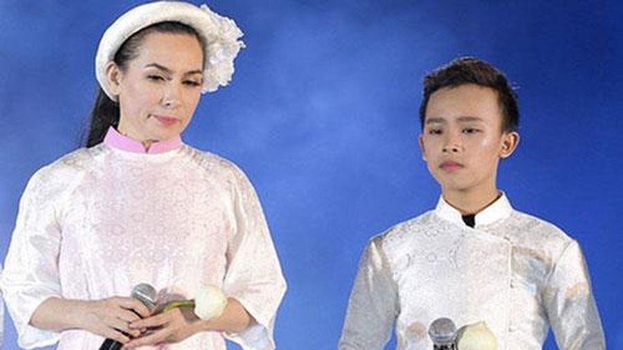 Đã tròn 18 tuổi, Hồ Văn Cường ra sao với lời hứa 'đến khi con 18 tuổi hay muốn ra riêng thì mẹ sẽ giao lại hết tiền'?