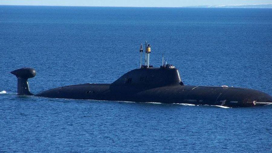 Tàu ngầm hạt nhân Nga tấn công tàu chiến cùng loại bằng tên lửa chống ngầm