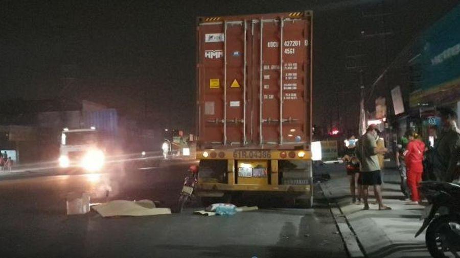 Bình Dương: Hai vụ tông đuôi xe container trong đêm, hai người tử vong tại chỗ