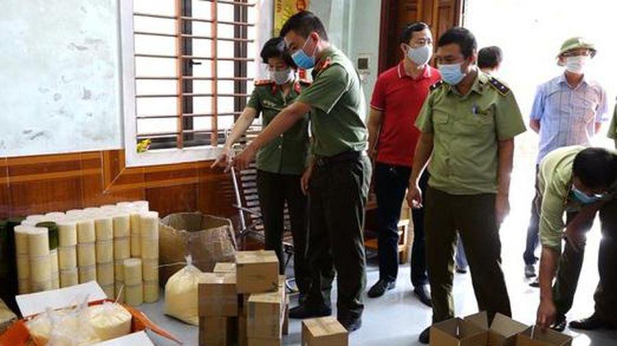 Tịch thu gần 1 tấn mỹ phẩm không rõ nguồn gốc ở Quảng Bình
