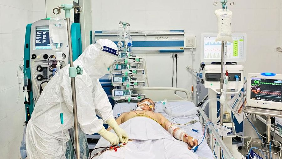 Ngành y tế dồn lực cho bệnh nhân Covid-19