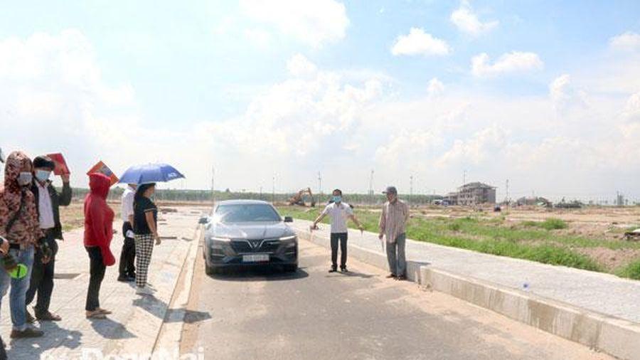 Sớm mở rộng các tuyến đường hẹp tại khu tái định cư Lộc An - Bình Sơn