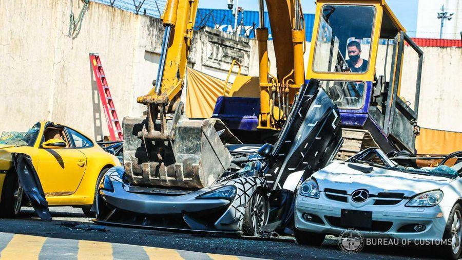 Lý do loạt siêu xe 'đáng mơ ước' trị giá hàng triệu USD bị tiêu hủy