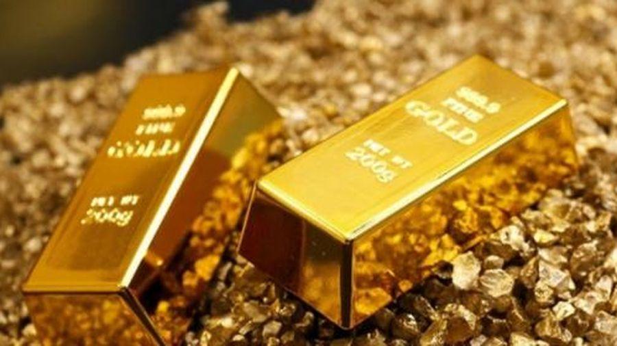 Giá vàng tiếp tục 'bốc hơi' đứng trước đợt bán tháo ồ ạt