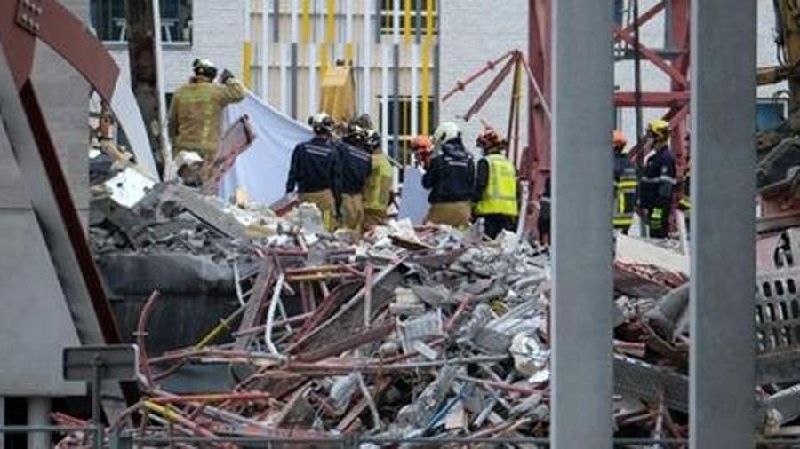 Sập công trình xây dựng trường học, 5 công nhân thiệt mạng