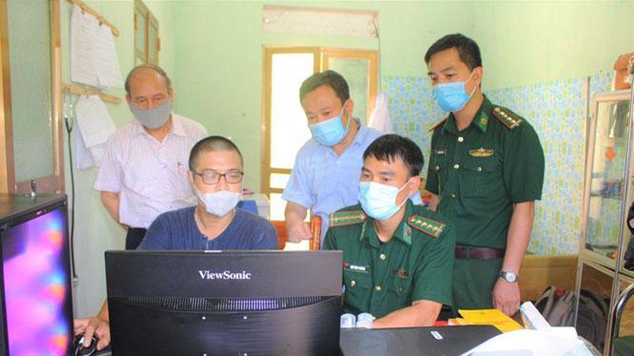 Hội Nhà báo thành phố Hà Nội thăm, tặng quà bộ đội Biên phòng tỉnh Hà Giang