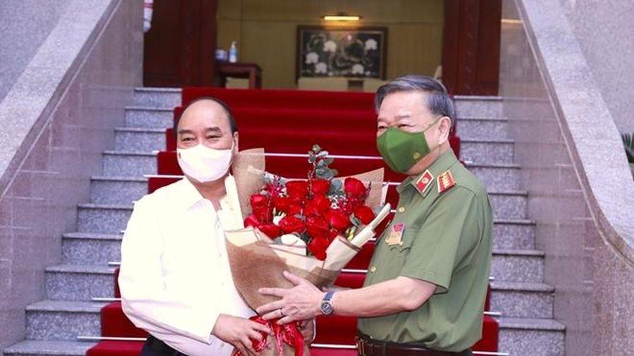 Chủ tịch nước Nguyễn Xuân Phúc dự hội nghị sơ kết công tác Công an 6 tháng đầu năm