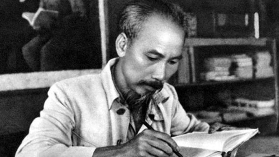 Phong cách báo chí Hồ Chí Minh