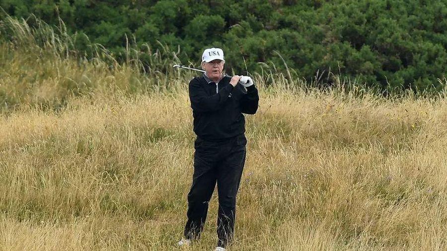 Người đóng thuế 'trả 2,4 triệu USD cho ông Trump đi chơi golf ở New Jersey'