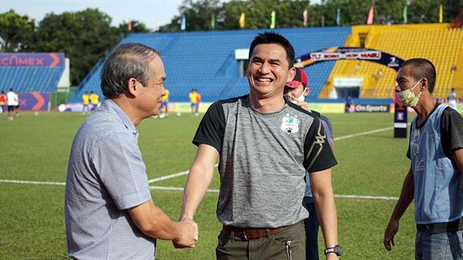 Fan Việt 'xoáy vào' nỗi đau bóng đá Thái Lan