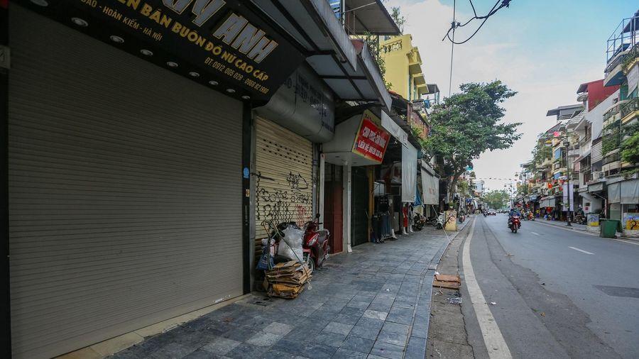 Cân nhắc nới lỏng một số dịch vụ ở Hà Nội
