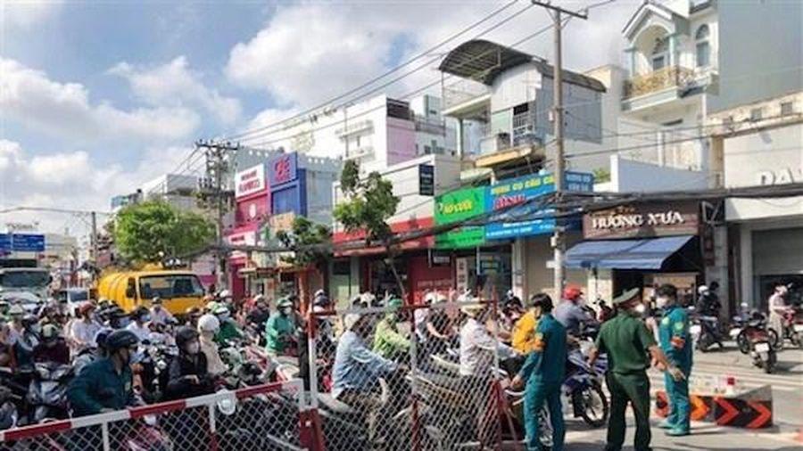 TP Hồ Chí Minh: Phong tỏa một khu phố hơn 2000 dân ở quận 8 do ca mắc Covid-19 tăng cao