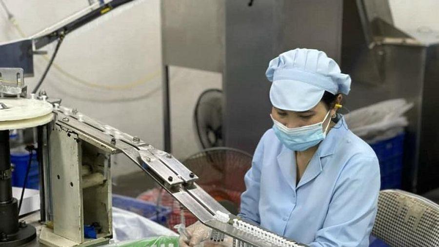 'Tiếp sức' 150 triệu bộ bơm kim tiêm cho chương trình phòng chống dịch Covid-19