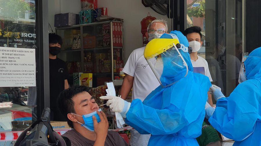 Đà Nẵng: Xét nghiệm virus SARS-CoV-2 cho đối tượng có nguy cơ cao