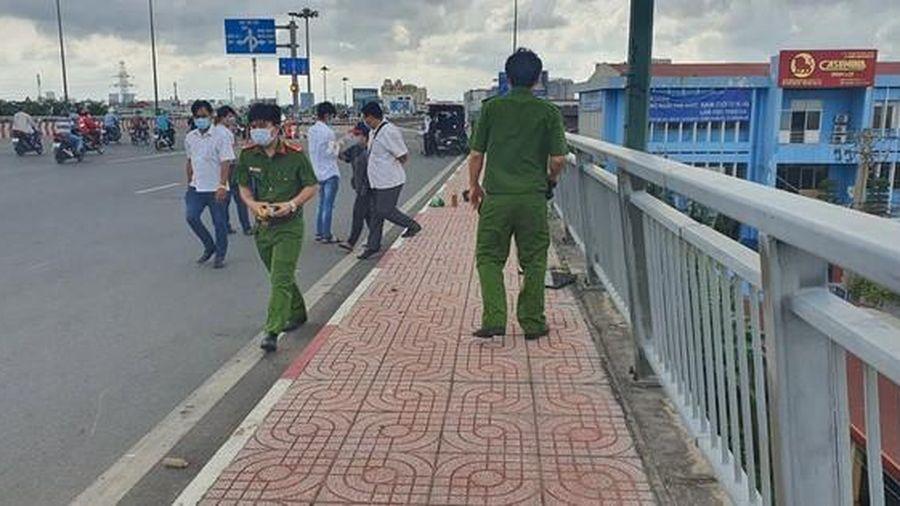 TP HCM: Truy tìm danh tính người gục chết ở cầu Bình Lợi