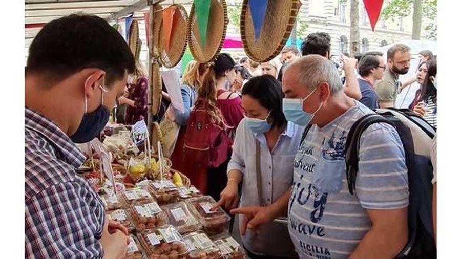 Vải thiều Việt Nam 'hút hàng' ở châu Âu
