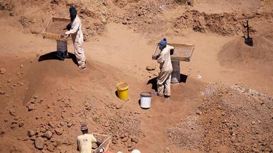 Báo động nạn khai thác vàng bất hợp pháp tại Nam Phi