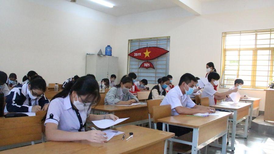 Hơn 500 thí sinh Kon Tum thi vào lớp 10 chuyên, mỗi phòng thi 20 em