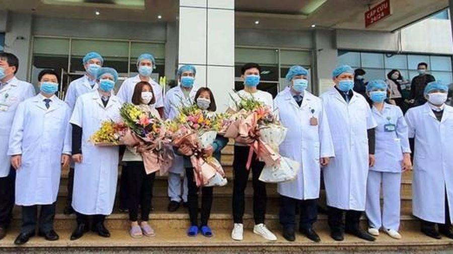Nam Định: 4 bệnh nhân Covid-19 khỏi bệnh và xuất viện