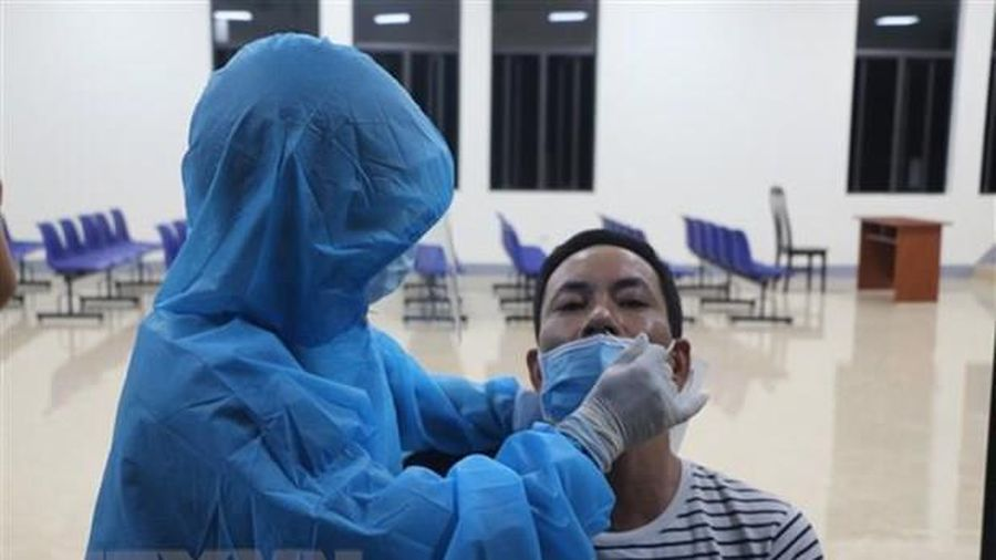 Hơn 9.800 ca mắc COVID-19 trong nước đợt dịch thứ 4