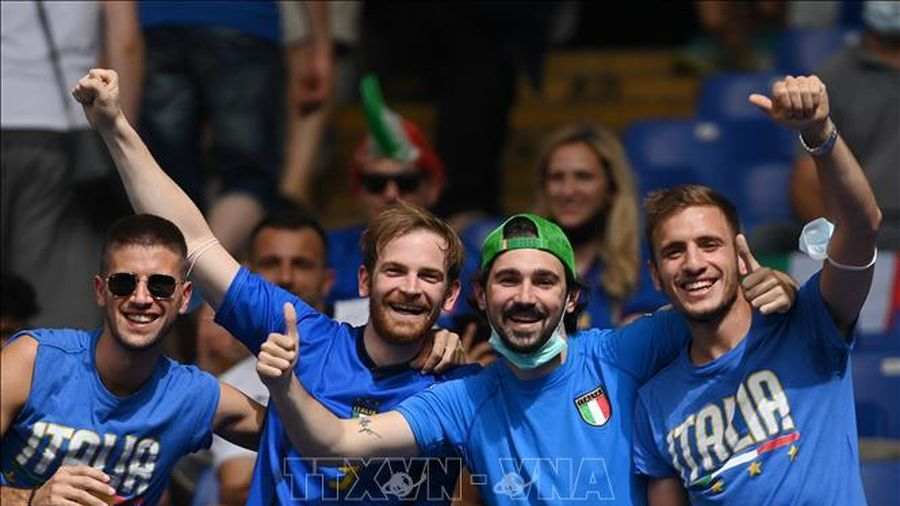 Cổ động viên Italy 'hẹn' đội tuyển Pháp ở trận chung kết EURO 2020