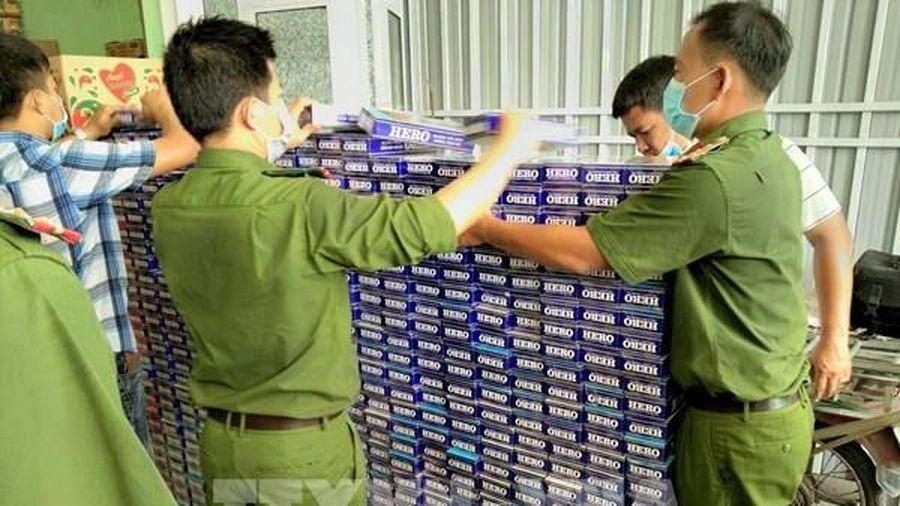 Bạc Liêu bắt vụ vận chuyển, mua bán trên 2.200 cây thuốc lá ngoại nhập lậu