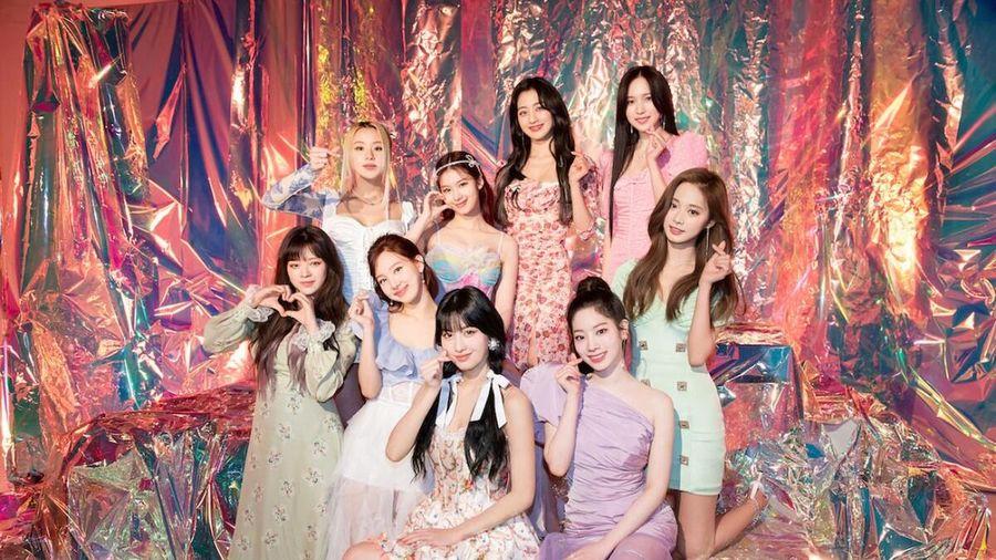 Twice là nhóm nữ Kpop thứ 2 làm được điều này trên Billboard 200