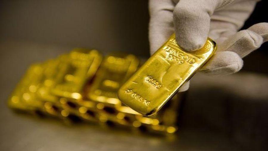 Giá vàng thế giới hồi khá mạnh, trong nước tăng theo
