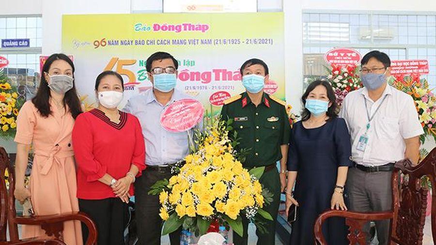 Nhiều cơ quan, đơn vị đến thăm, chúc mừng Báo Đồng Tháp nhân Ngày Báo chí cách mạng Việt Nam