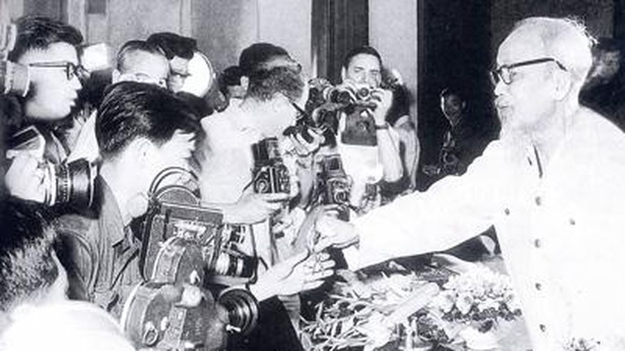 Lời Bác dạy báo chí cách mạng Việt Nam
