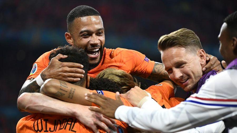 Góc BLV: Hà Lan sẽ tung đội hình B và giành trọn 9 điểm giống Italia