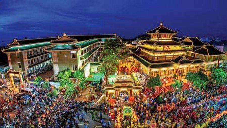 Châu Đốc (An Giang): trọng điểm du lịch của Vùng Đồng bằng sông Cửu Long