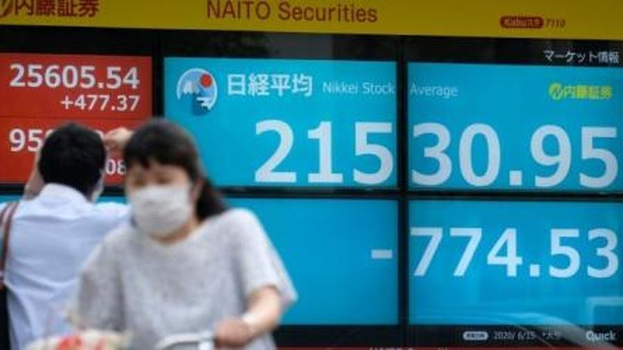 Trung Quốc giữ nguyên lãi suất, chứng khoán châu Á ngập sắc đỏ