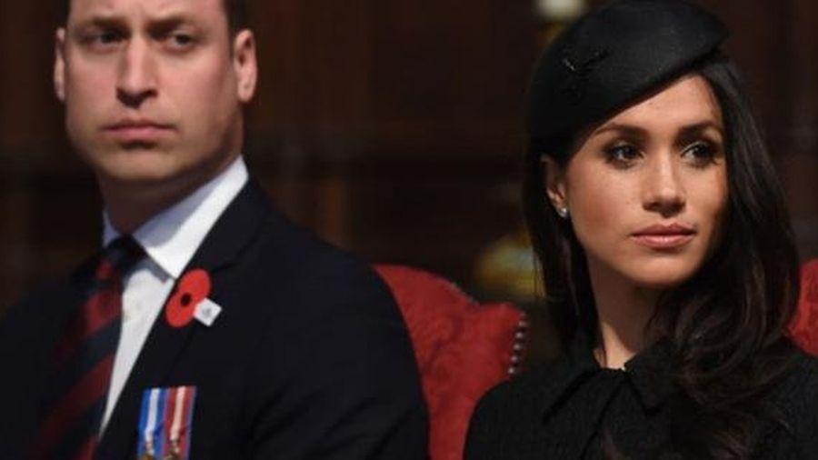 Thái độ cứng rắn rõ ràng của Hoàng tử William với em dâu trong vụ tưởng niệm Công nương Diana