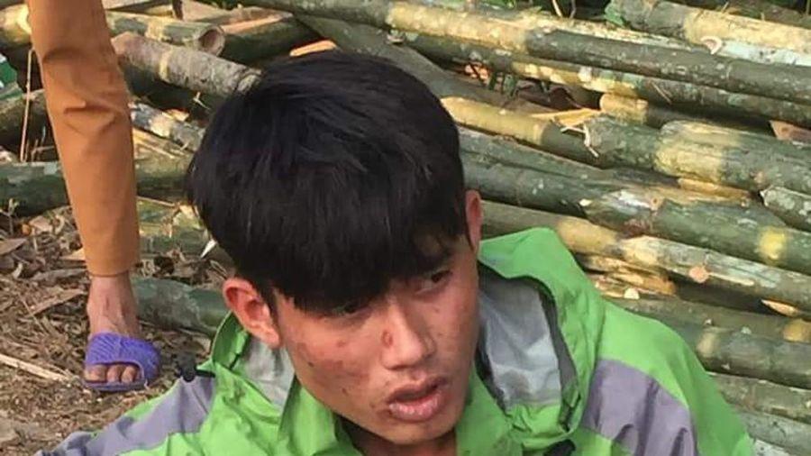Người dân miền núi Nghệ An lập 'barie dã chiến' ngáng đường, tóm gọn 2 tên cướp