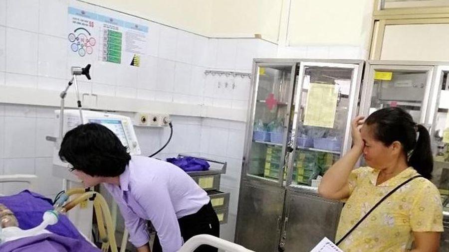 Nạn nhân bị chồng đổ xăng đốt tại huyện Bình Liêu cần được giúp đỡ