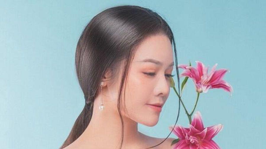 Giữa ồn ào với Hồ Gia Hùng, Nhật Kim Anh 'nối gót' Titi (HKT) 'nhá hàng' sản phẩm mới