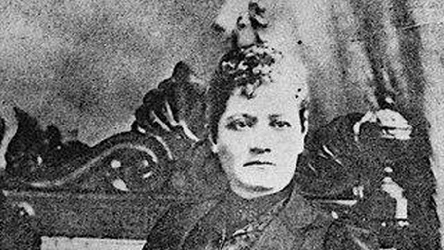 Mary Foster - Nữ hộ pháp thời hiện đại